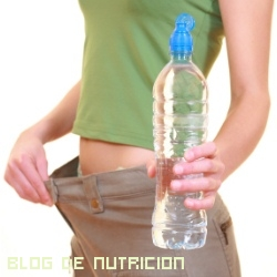 Bajar de peso bebiendo agua