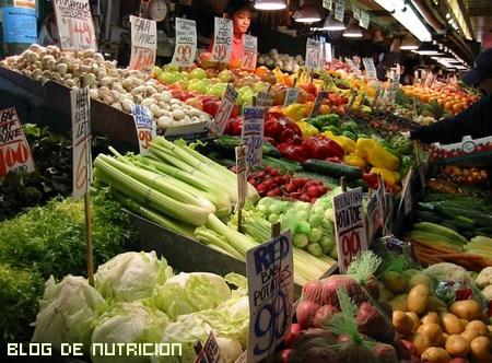 comer verdura cruda