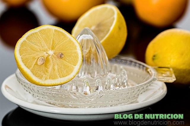 zumo de limón para la salud