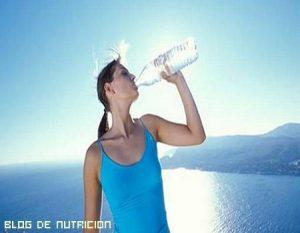 ¿Agua del grifo o embotellada?