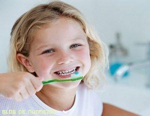 Consejos para cuidar la dentadura de los niños