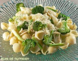 Hoy cocinamos macarrones con brócoli