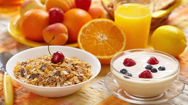 crea un desayuno saludable